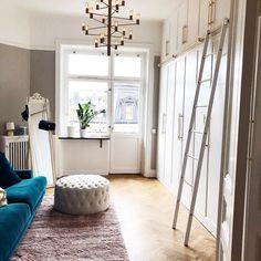 Nu börjar vi inreda lägenheten  in och kolla nya vloggen  direktlänk i min profil @idawarg  #decor #interiordesign #wardrobe