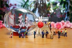 After a long voyage, the sailors were happy to be back in their home port. Miniature Photography, People Figures, Tiny World, Malm, Installation Art, Art Installations, Miniture Things, Little People, Creative Photography