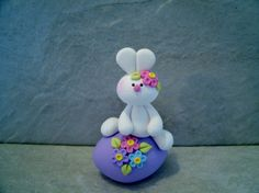 Bunny  Easter Egg   Figurine von countrycupboardclay auf Etsy