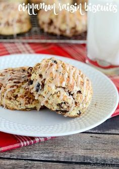 Cinnamon Raisin Biscuits - these sweet biscuits have a cinnamon swirl plenty of raisins and a cinnamon glaze. A perfect raisin biscuit recipe! Treatment Projects Care Design home decor Healthy Cake Recipes, Muffin Recipes, Dessert Recipes, Chef Recipes, Crockpot Recipes, Breakfast Recipes, Snack Recipes, Raisin Biscuits Recipe, Biscuit Recipe