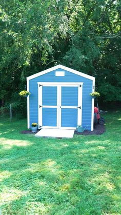This project can make a huge difference - refresh your shed with a fresh coat for fall! 🎨