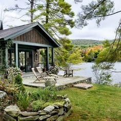 rustic landscape exterior by Smith & Vansant Architects PC