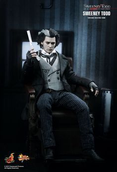 Hot Toys : Sweeney Todd: The Demon Barber of Fleet Street - Sweeney Todd 1/6th scale Collectible Figure