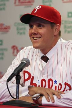 You will never see Papelbon at a Mensa meeting.  Philly fans smarter?  Really?