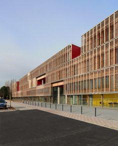 Compiègne Univeristy of Technology / Ameller Dubois & Associés, exterior dynamic wood sunscreen