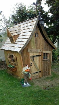 Backyard Plan, Backyard Playhouse, Backyard Sheds, Backyard For Kids, Cool Tree Houses, Fairy Houses, Play Houses, Greenhouse Shed Combo, Pool Shed
