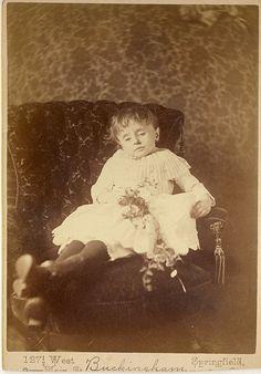 Fotografías post-mortem de la era victoriana (Apto)