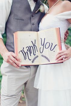 Chic Vintage Book Worm and Library Themed Wedding in Temecula, California | Southern California Wedding Photographer | Rachel Jay