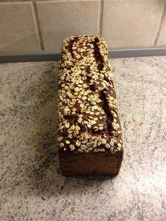 Rugbrød - www.lindegaards.net Vegan Bread, Vand, Bruges, Bread Recipes, Banana Bread, Desserts, Tailgate Desserts, Dessert, Postres