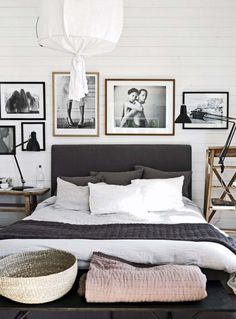 Love the way this stays minimal, but is flooded with art. Sticking with black and white keeps it tied together.