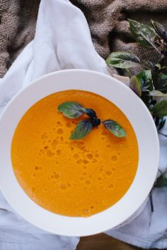 Thai carrot soup - the lemongrass should not be diced and blended, but rather cooked in the broth and removed before blending, it made for a really strange texture. Otherwise, this soup is excellent! Asian Recipes, Real Food Recipes, Soup Recipes, Cooking Recipes, Healthy Recipes, Ethnic Recipes, Thai Carrot Soup, Thai Soup, Spicy Soup