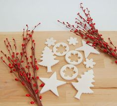 DIY: scented baking soda dough ornaments