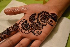 Aliyah's Mehndi: https://www.facebook.com/HennaRomania #henna #mehndi #bodyart #flowerhenna #tattoo