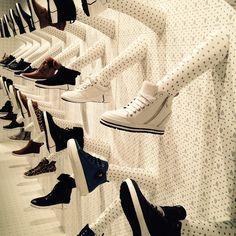 """PANORAMA, Berlin, Germany, """"Off Duty"""", (Casual Sneakers), pinned by Ton van der Veer"""