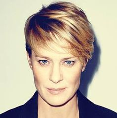 Robin Wright wears short hair like nobody's business. Her classy style is always an inspiration. And look at that amazing color! #Hairfinity #ad