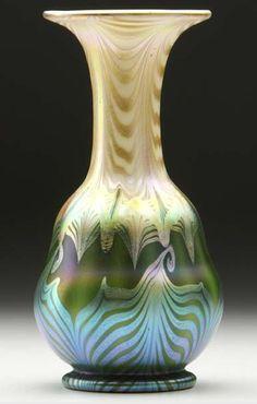 QUEZAL ART GLASS VASE, circa 1907