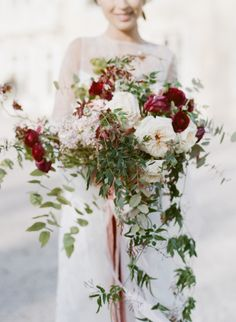 Ivy, Juliette Roses, and Ranunculus: http://www.stylemepretty.com/2015/05/28/charming-burgundy-wedding-inspiration/ | Photography: Sylvie Gil - http://www.sylviegilphotography.com/