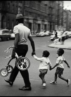 Harlem, NYC by Leonard Freed Magnum Photos
