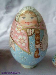 Painted egg - Babushka