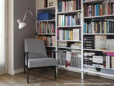 Jak odnowić stary fotel? renowacja fotela PRL Dom, Diy And Crafts, Bookcase, Shelves, Home Decor, Couches, Living Room, Armchair, Shelving