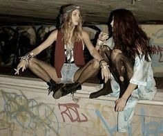 woman two people sitting full body people full body POPSUGAR Lise Sarfati, Mundo Hippie, Mode Emo, Pantyhosed Legs, Estilo Grunge, Teenage Dirtbag, Grunge Photography, People Sitting, Photo Tips