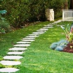 Common Small White Garden Fence , Outdoor Landscaping Plan Ideas Of Applying Small Garden Fence Designs To Obtain The Neat And Lovely Look In Uncategorized Category Small Garden Fence, Garden Paths, Outdoor Landscaping, Front Yard Landscaping, Landscaping Ideas, Simple Garden Designs, Garden Design Pictures, Path Ideas, Path Design