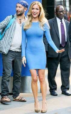 Kristin Cavallari steps out looking beautiful in blue!
