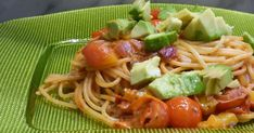 fischiscooking, spaghetti, avocadosauce, tomaten Spaghetti, Avocado, Ethnic Recipes, Food, Mediterranean Kitchen, Food Food, Lawyer, Meals, Noodle