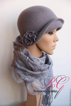 Купить или заказать Валяный комплект Gray в интернет-магазине на Ярмарке Мастеров. Коплект (шляпка,шарф.сапожки) серого цвета , выполнен на заказ в технике мокрого валяния из 100% шелка ,мериносовой шерсти 18 мкн,кардочеса Шляпку можно надевать по разные стороны,и каждый раз она смотрится по своему интересно.