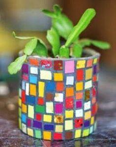 Mosaic Planters, Mosaic Vase, Mosaic Flower Pots, Mosaic Garden, Mosaic Crafts, Mosaic Projects, Mosaic Bottles, Tin Can Crafts, Mosaic Madness