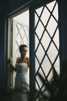 Bride Portrait - Retrato da noiva Photo by Julio Vasconcelos - www.juliovasconcelos.com