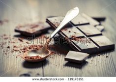 Lately I have been really craving anything with chocolate. I love chocolate. All my life I've been told how much I shouldn't eat chocolate and how it's . Food Network, Foods That Decrease Inflammation, Onigirazu, Raw Desserts, Delicious Chocolate, Chocolate Recipes, Chocolate Week, Swiss Chocolate, Beauty Tips