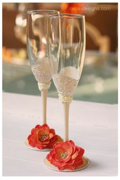Gorgeous! Wedding champagne glasses hand painted Wedding by IrenDesigns, €45.00