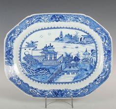 Travessa de carne em porcelana Chinesa de companhia das Indias, Dinastia Qing, 42cm X 34cm, 3,145 reais / 1,040 euros / 1,375 usd https://www.facebook.com/SoulCariocaAntiques?ref=hl