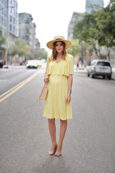 Navy Grace Blog by Camilla Thurman // A Fashion and Lifestyle blog: Lady in Yellow (Nursing/Maternity)