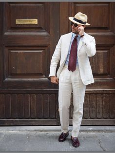 """thebespokedudes: """"🔸Off White🔸 Ph: """" Linen Wedding Suit, Linen Suit, Wedding Suits, Mens Attire, Mens Suits, Summer Suits, Casual Summer, Checked Suit, Man About Town"""