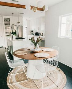 30 Amazing Minimalist Kitchen Design Ideas That Are Most People Looking For desi… - Best Home Deco Home Interior Design, Interior Design, House Interior, Dining Room Design, Sweet Home, Interior, Dining Room Small, Dining Room Decor, Minimalist Kitchen Design