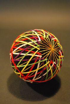45-balles-de-soie-multicolores-realisees-par-une-grand-mere-de-92-ans39