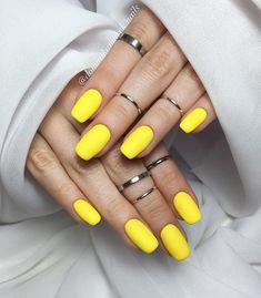 156 Racing Car w pełnej okazałości i do tego w moim ukochanym Top Mat Total No Wipe od Semilac Myślisz ze ten kolor na Twoich paznokciach wyglądałby świetnie? Czułabyś się w nich komfortowo?   #yellow #yellownails #żółte #żółty #rings #hibridnails #hibrid #paznokciehybrydowe #gelnails #paznokciezelowe #nails2inspire #nailart #naildesign #nailsart #paznokcie #hybrydy #instanails  #semilac #semilacnails #semigirls #akademiasemilac #nailpolish #minimalizm #minimalism #lakieryhybrydowe  #glow…