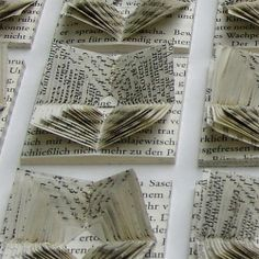 Expanding cross-cut centers and folded back Book Folding, Paper Folding, Book Page Art, Book Art, Old Book Crafts, Accordion Book, Book Sculpture, Paper Crafts Origami, Paper Artwork