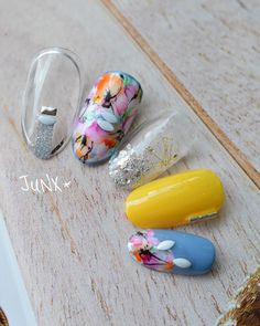 From general topics to more of what you would expect to find here, nail-art-stickers. Nail Art Hacks, Gel Nagel Design, Nails 2017, Nail Art Stickers, Uv Led, Summer Colors, Short Nails, Pretty Nails, Nail Colors