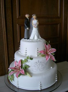 Bolo de Casamento Themis e Wagner by A de Açúcar Bolos Artísticos, via Flickr