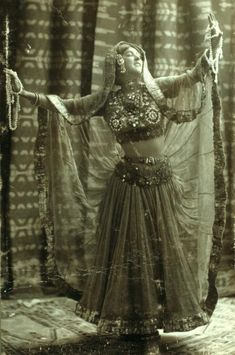 Dancer on vintage postcard. Dance Oriental, Style Oriental, St Denis, Vintage Burlesque, Gypsy Women, Tribal Belly Dance, Bollywood, Belly Dance Costumes, Tribal Fusion
