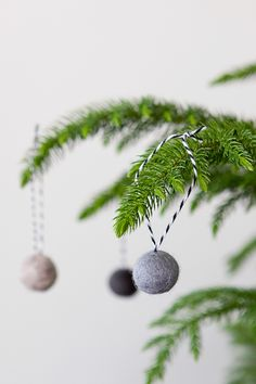 Amelle Blog Felt Ball Ornament Step by Step Tutorial.