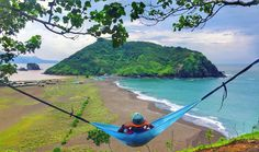 Feel so good hangingrelax and chill here  - Payangan Beach  . #exploreindonesia #sea #shore #hammock  #paradise #picnic #bay #photooftheday #hammocklife #indonesia #instagram #instavsco #instafollow #iphoneonly #iphoneasia #iphone6 #adventure #parapejalan #rajaampat #Explorejawatimur #instadaily #vscocam #eastjava #tagforfollow #indotravellers #jalanjalanmen #chill #cliff #indonesia_photography #island by @iandieryz