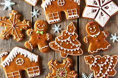 Recept : Vánoční medové perníčky | ReceptyOnLine.cz - kuchařka, recepty a inspirace Easy Gingerbread Cookies, How To Make Gingerbread, Christmas Gingerbread, Holiday Cookies, Holiday Desserts, Holiday Treats, Gingerbread Men Icing, Cute Christmas Cookies, Vegan Gingerbread