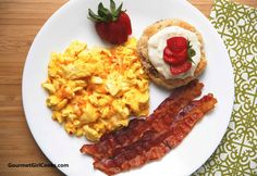 Gourmet Girl Cooks: Saturday Breakfast - Easy Low Carb & Gluten Free