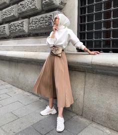 Clothes summer modest classy best Ideas Source by I_AM_AISHA outfits hijab Hijab Fashion Summer, Modest Fashion Hijab, Modern Hijab Fashion, Street Hijab Fashion, Casual Hijab Outfit, Hijab Fashion Inspiration, Hijab Chic, Muslim Fashion, Modest Outfits Muslim