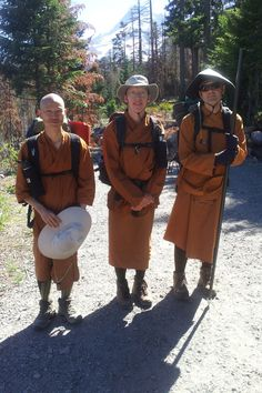 (r to l) Aj. Sudanto, Ven. Caganando, Ven. Kassapo leaving on a hike to Lolo Pass on Mt. Hood