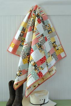 Are you a beginner quilter who's looking for a perfect project to work on? Here's a few things to keep in mind when choosing a beginner quilt pattern.